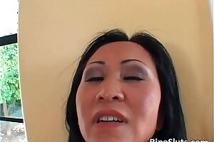 Asian mature whore still loves to feel