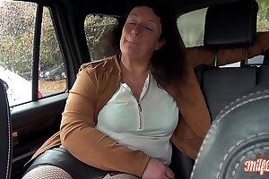 Sophie, milf affamée en manque de sexe