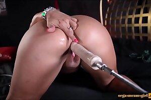 Milf fucking by sex machine - Watch more on orgasmcamsgirl.com