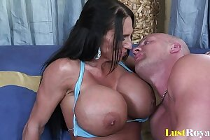 Extremely busty mommy Lisa Lipps loves to bonk