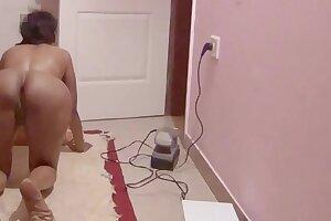 Desi housewife having Oil massage