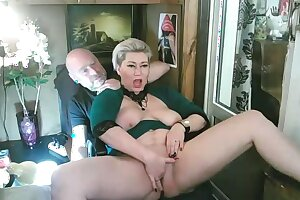 I fuck my mature lustful bitch for the joy of people!
